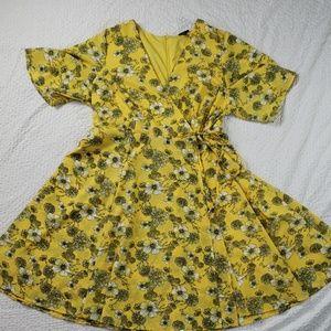 Plus size torrid yellow floral dress size 16